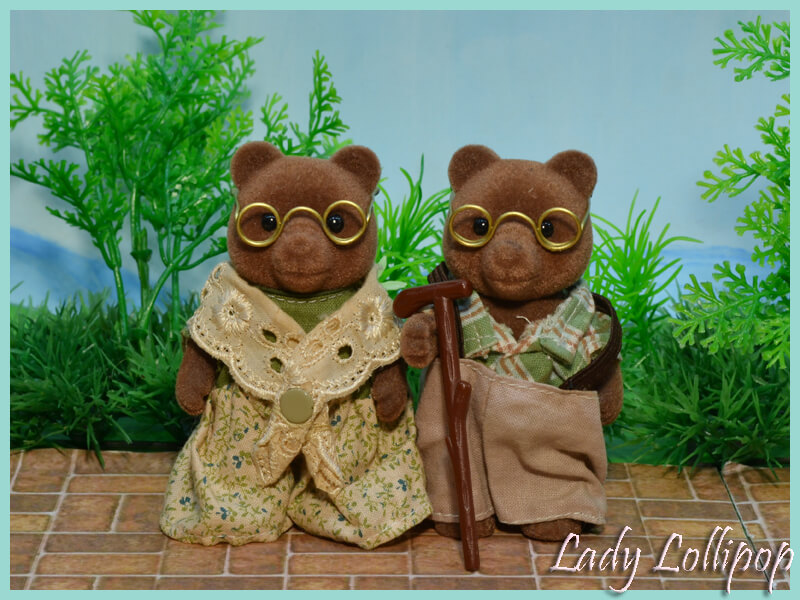 Sylvanian Families Timbertop Bear Grandparents wearing handmade glasses