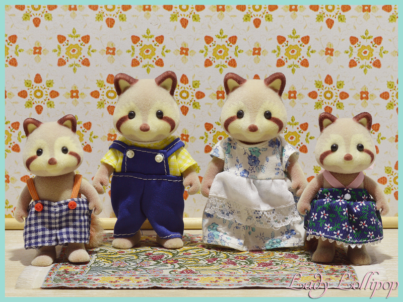 Sylvanian Families Calico Critters Mulberry Raccoon Family