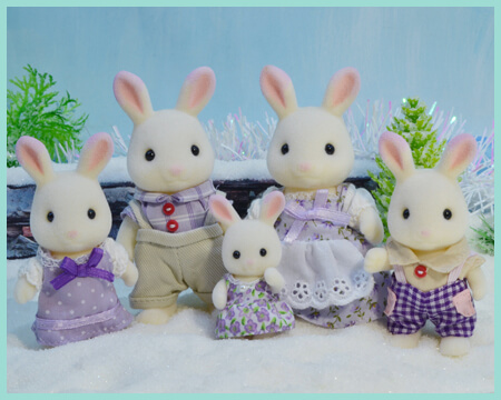 Gallery of Sylvanian Families and Calico Critters figures